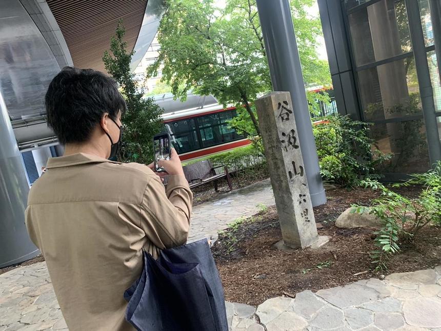 JR岐阜駅周辺探索する生徒