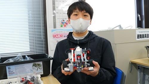 オープンキャンパスでロボットプログラミング体験