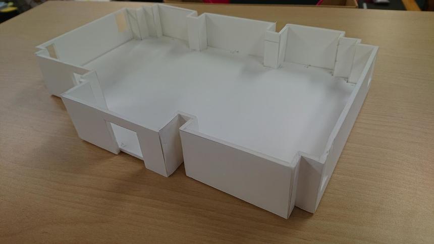 縮尺60分の1教室の模型が完成しました
