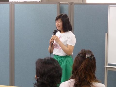 最後は流ちょうな英語でスピーチ!