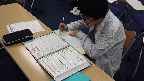 大阪キャンパスのみらいの架け橋レッスン「理系の部屋」