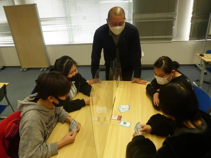 先日のくれしぇんどではSDGsをカードゲームで学びました